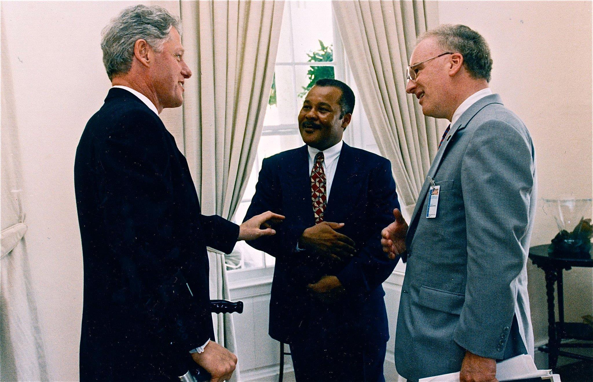 Clarke talking to President Bill Clinton